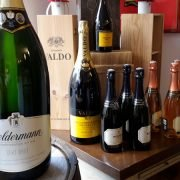 Inn-out Feinkost Catering Spirituosen Silvester anstoßen mit Cremant oder Champagner